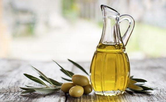 El consumo de aceite de oliva ayudaría a disminuir la coagulación de la sangre